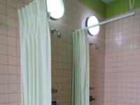 中浴場シャワールーム